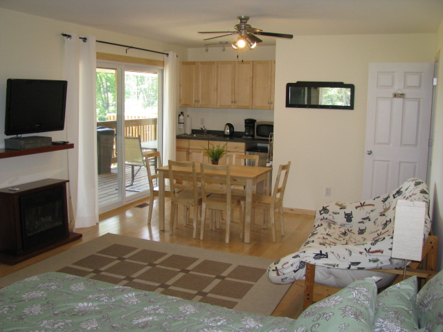 Buck Lake Cottage Rental #3-11 ~ Additional sleeping /living area with Queen bed and double Futon
