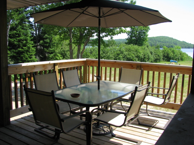Buck Lake Cottage Rental #3-27~ Uncovered deck area