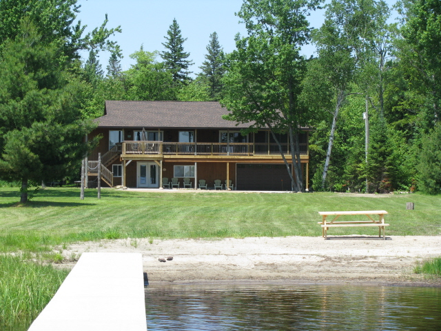 Buck Lake Cottage Rental #3-3 ~ Cottage Exterior